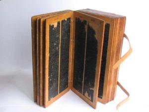 Tabliczki woskowe z protokołami sądowymi komturstwa gdańskiego z lat 1368–1416.